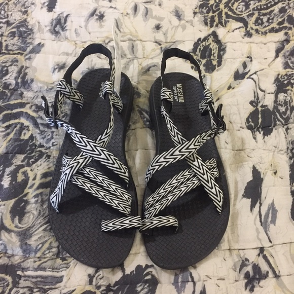 Mossimo Supply Co. Shoes - NWT Mossimo Sandals